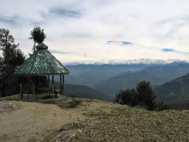 Viewpoint at the top of a rise, Jot pass