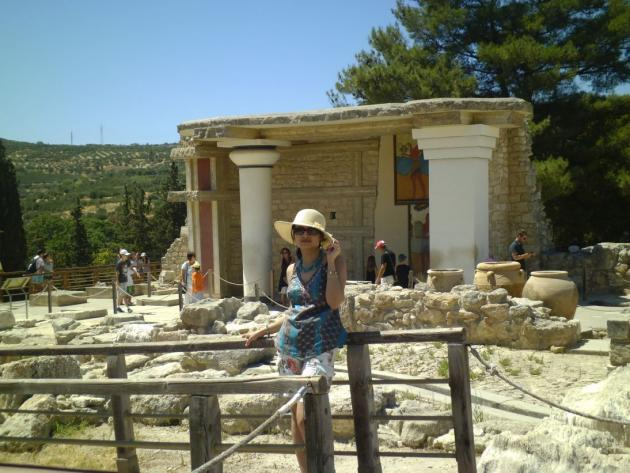 At Minoan ruins after the hat flew