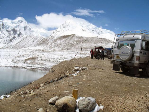 Car halt hump at Gurudongmar