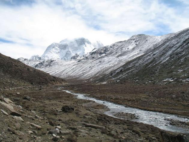 Final stretch to Gurudongmar along path of Lachenchu