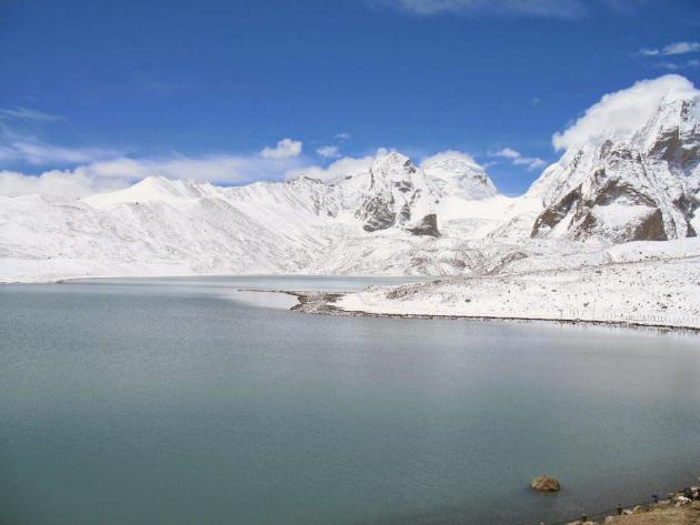 Gurudongmar lake looking from right to left 2
