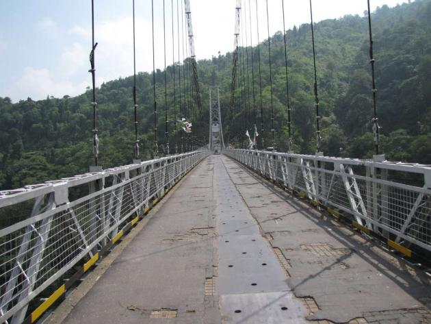 Singshore hanging bridge
