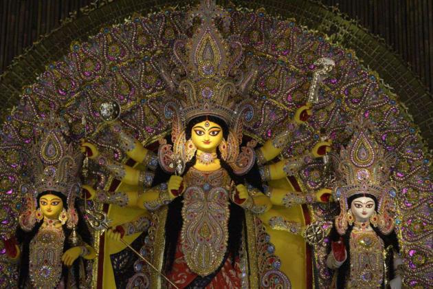 Sweet young mother, Kolkata Durga Puja 2015